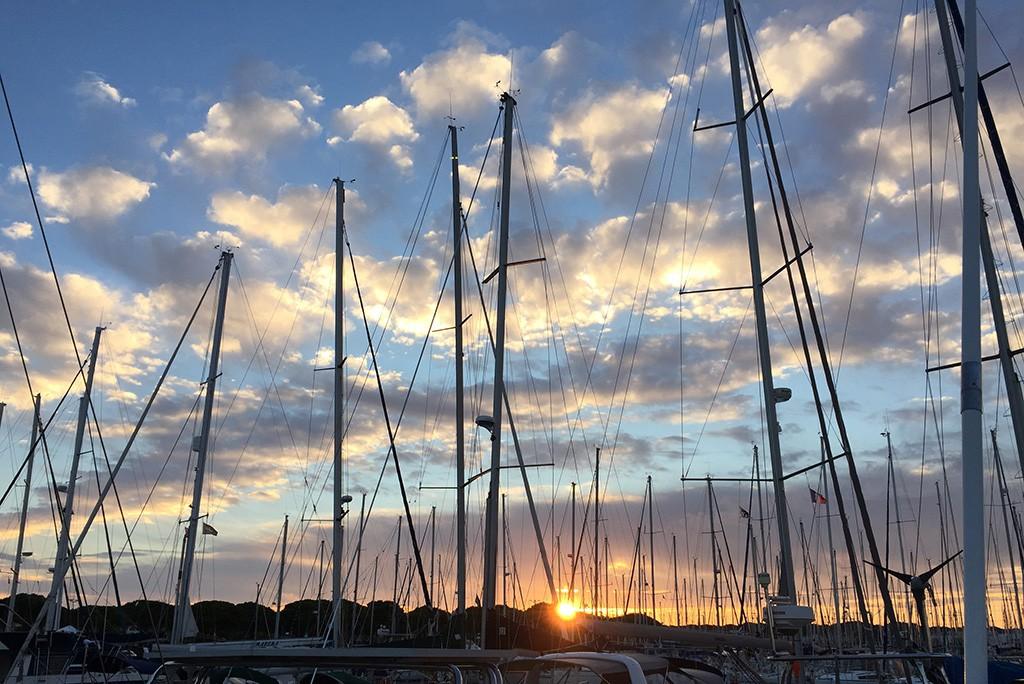 Lever du soleil sur Port-Camargue, 14 octobre 2015