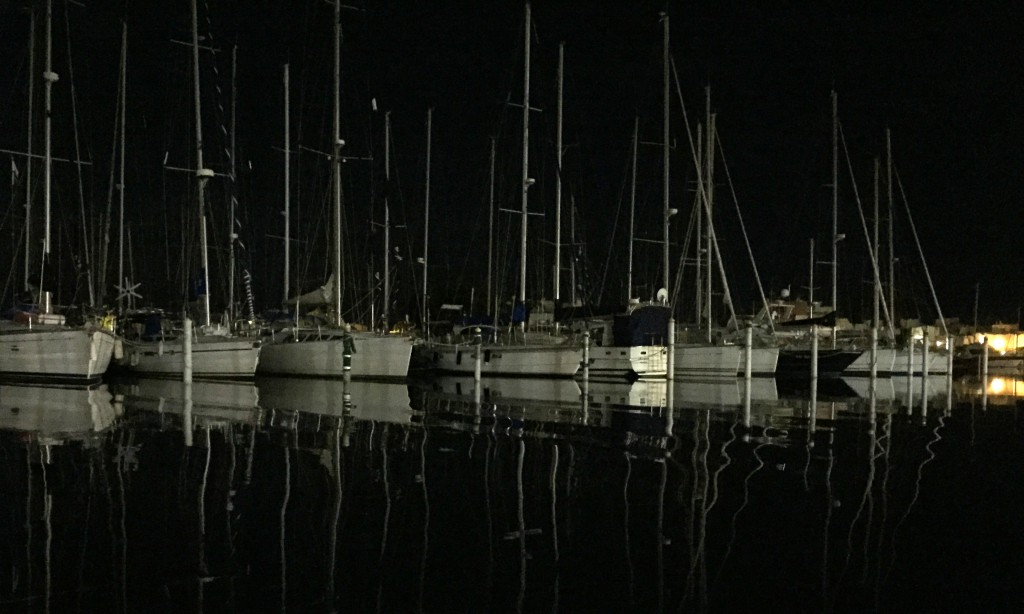 port-camargue de nuit