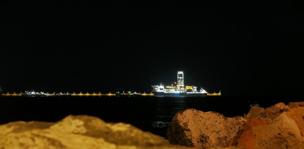 Dans le port de Las Palmas, y a des marins qui bossent...