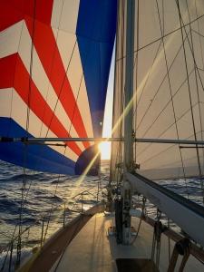 Derniers rayons du soleil sur l'horizon.