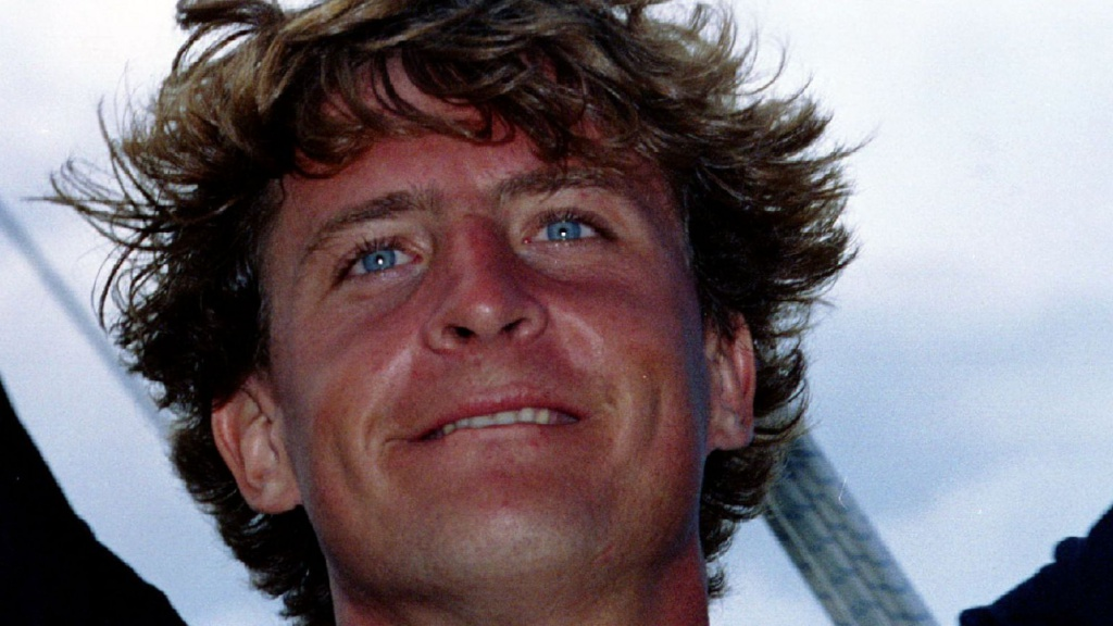 Laurent Bourgnon vient de gagner sa première Route du Rhum - 1994